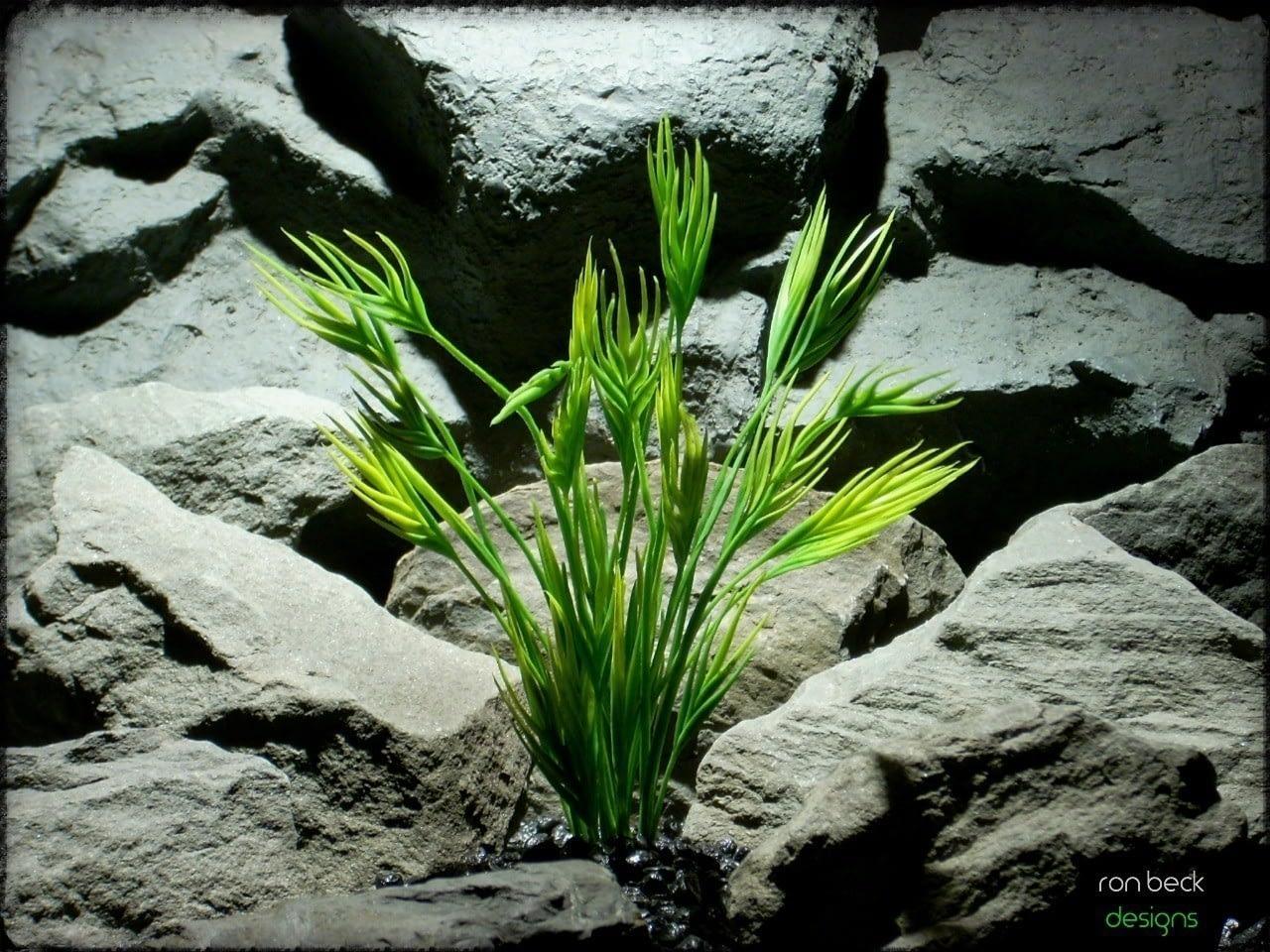 plastic aquarium plant- mermaid grass from ron beck designs pap223 2