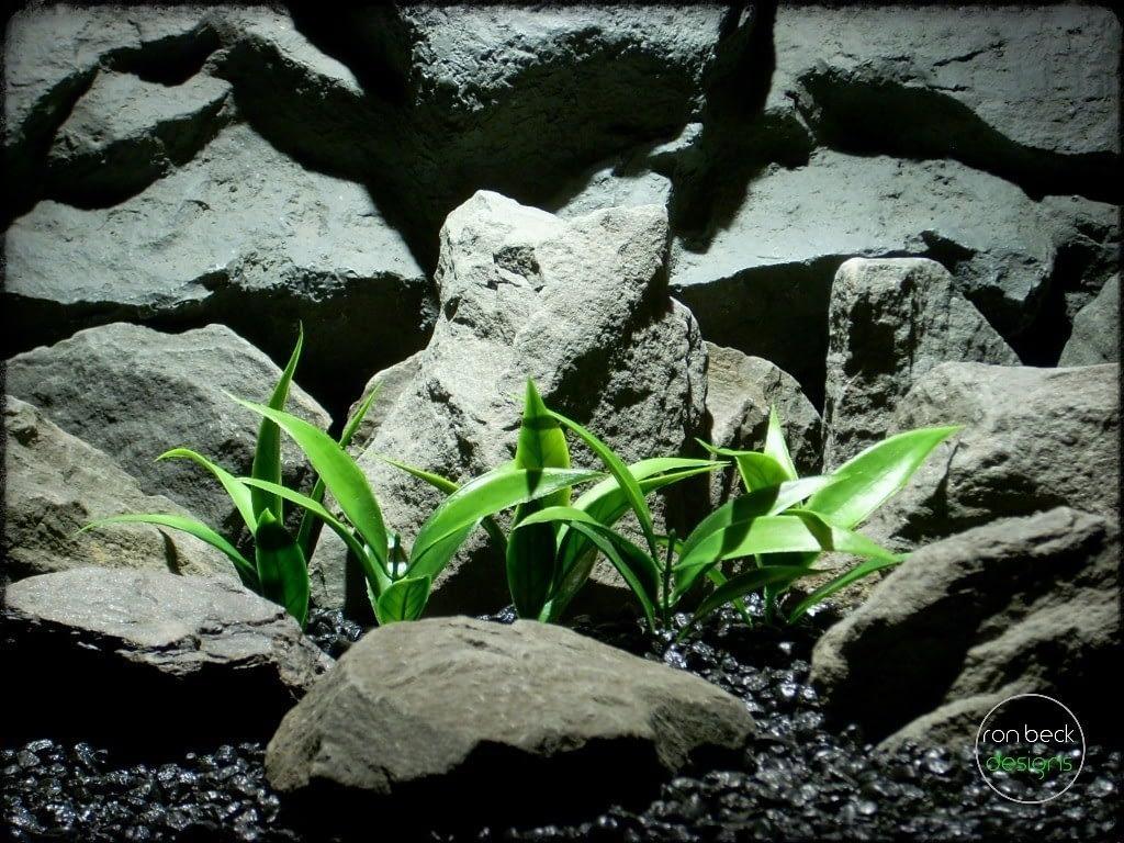plastic aquarium plants_ spear leaves plot pap239